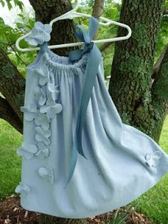 Ailidh Daisy: Tutorial: t-shirt to little girl's dress~ Adorable