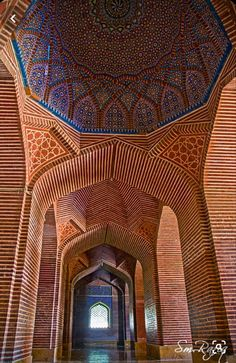 Persian Architecture, Religious Architecture, Ancient Architecture, Beautiful Architecture, Beautiful Buildings, Art And Architecture, Islamic World, Islamic Art, Shah Jahan Mosque
