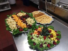 Cheese,crackers, and fruit tray Cheese And Cracker Tray, Meat And Cheese Tray, Cheese Platters, Cheese Fruit, Party Trays, Party Dishes, Party Platters, Fruit Platters, Finger Food Appetizers