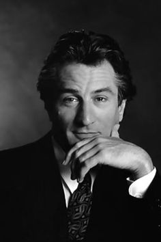 Robert De Niro (b. Aug. 17, 1943)