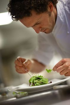 Plating shot - focus on food Cooking Photography, Le Chef, Chef Recipes, Food Preparation, Fine Dining, Food Styling, Food Art, Food Inspiration, Food And Drink