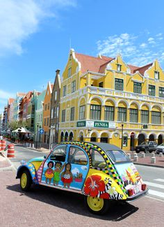 colorful curacao, punda, happy art, painted car, handelskade, www.janthielcarrentals.com Willemstad, Caribbean Vacations, Caribbean Sea, Panama Cruise, Barbados, Places To Travel, Places To Go, Puerto Rico, 2cv6