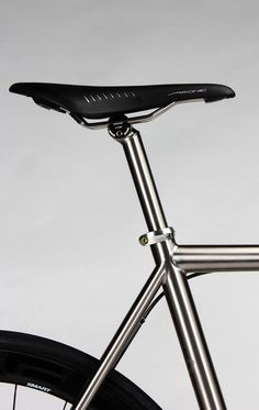 Road :: Titanium - Firefly Bicycles Titanium Bike, Cool Bikes, Golf Clubs, Bar Stools, Bicycle, Cool Stuff, Design, Bicycles, Bar Stool Sports