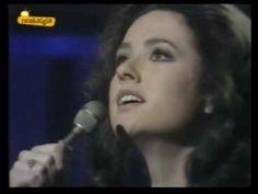 Eurovision 1974 Italy - Gigliola Cinquetti - Si - YouTube