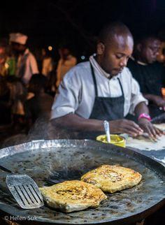 Eine der besten Entdeckungen meiner Tanzania-Reise - Sansibar-Pizza mit Gemüse und Ei
