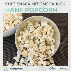 Die Kombination aus Popcorn & Hanföl sorgt bei deinem nächsten Film-Abend für ein besonderes Geschmackserlebnis.  Das nussige Aroma des Hanföls mit Salz und Popcorn passt einfach perfekt zusammen. • Mehr Ideen voller Power mit Hanf findet ihr in unserem verlinken Rezeptbuch Popcorn, Snack Recipes, Snacks, Food, Salt, Food Food, Simple, Tips, Snack Mix Recipes