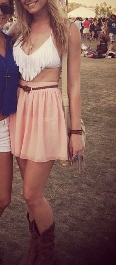 #country #concert #outfit #summer #festival I would never have the guts to wear this or the figure but it looks amazing..!
