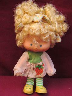 Boneca Moranguinho Estrela Antiga ; - R$ 100,00 no MercadoLivre