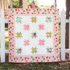 Traditional star blocks shine in the new Vintage Days Quilt Kit! Featuring Scrumptious by Bonnie Camille for Moda Fabrics. Quilt Baby, Children's Quilts, Pink Quilts, Fat Quarters, Quilting Projects, Sewing Projects, Quilting Ideas, Sewing Ideas, Star Quilts