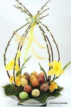 Easter decoration - Decoration Crafts for Easter - Easter arrangement, Easter Bunny and Easter eggs Easter Flower Arrangements, Easter Flowers, Floral Arrangements, Easter Centerpiece, Diy Centerpieces, Diy Flowers, Easter Projects, Easter Crafts, Easter Decor