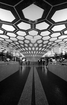 Abu Dhabi Airport #architecture #geometric #shapes #blackandwhite #design #airport #dubai Airport Architecture, Amazing Architecture, Modern Architecture, Abu Dhabi, Ceiling Design, Wall Design, Sign Design, Airport Design, United Arab Emirates