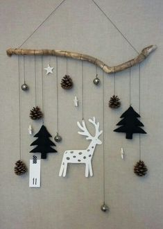Good idea to hang Christmas decorations- Goed idee om kerstversieringen op te ha… Good idea to hang Christmas decorations- Good idea to hang Christmas decorations Good idea to hang Christmas decorations # Weihnachten # ideas – # christmasornamentsclay Modern Christmas Decor, Christmas Decorations For The Home, Scandinavian Christmas, Xmas Decorations, Noel Christmas, Winter Christmas, Christmas Ornaments, About Christmas, Handmade Christmas