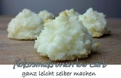 low carb Kokosmakronen ganz leicht selber machen Hier meine 3 besten Rezepte: 1. Einfache Kokosmakronen Zutaten für 12 Stück: 2 Eiweiß 1 Prise Salz 100 g Kokosraspel 1/4 TL Vanille, gemahlen 60g Xy…