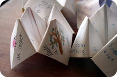 Educational cootie catchers. Cute & a great rainy day activity for days like today.   Paper, scissors and crayons.     5orangepotatoes.com
