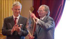 De Nederlandse dichter en schrijver Remco Campert (86), die in februari de Prijs der Nederlandse Letteren won, ontving de bekroning voor zijn rijke ...