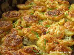 Cartofi cu smântână la cuptor by Transylvanian Kitchen Romanian Food, Sprouts, Cauliflower, Chicken, Vegetables, Cooking, Kitchen, Ice Cream, Diet