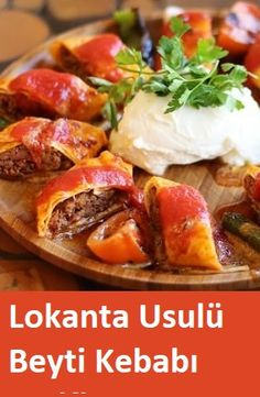 Lokanta Usulü Beyti Kebabı Tarifi - Et Yemekleri - Las recetas más prácticas y fáciles Best Dinner Recipes, Lunch Recipes, Great Recipes, Kebab Recipes, Fast Food, Healthy Comfort Food, Turkish Recipes, How To Cook Chicken, Turkish Kitchen
