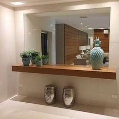 A simplicidade da peça combinada . Foyer Design, Home Room Design, Lobby Design, Home Interior Design, Living Room Designs, House Design, Entrance Hall Decor, House Entrance, Entryway Decor