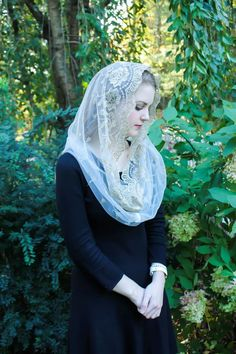 Evintage Veils~ Our Lady of Guadalupe Lovely Soft Ivory &Gold Embroidered Traditional Vintage Inspired Infinity Veil Mantilla Chapel Veil Beautiful Muslim Women, Beautiful Hijab, Arab Girls, Muslim Girls, Most Beautiful Faces, Beautiful Girl Image, Chapel Veil, Muslim Beauty, Islamic Girl