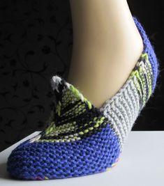 Ainaoikein-tossut - PunomoPunomo Knitted Slippers, Mittens, Hand Knitting, Diy And Crafts, Socks, Crochet, Pattern, Accessories, Women