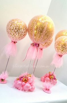 Shivoo Balloons and Event Decor Specialist in Coburg North. Custom-designed and great balloon ideas for Events and Functions. Topiary Centerpieces, Elegant Centerpieces, Balloon Centerpieces, Balloon Decorations, Baby Shower Decorations, Tulle Balloons, Baby Shower Balloons, Balloon Topiary, Balloon Garland
