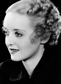 The Golden Year Collection Old Hollywood Movies, Classic Hollywood, Classic Actresses, Beautiful Actresses, My Babysitter, Bette Davis Eyes, Betty Davis, The Golden Years, See Movie