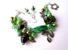 Jewlery set.Green bracelet.Green and silver.Glass by Jewelry2Heart