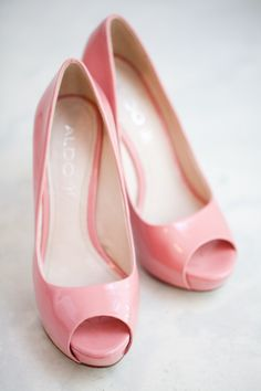 Pretty pink pumps | Brooklyn Wedding at ICI Restaurant from Melissa Kruse Photography  Read more - http://www.stylemepretty.com/new-york-weddings/2013/09/26/brooklyn-wedding-at-ici-restaurant-from-melissa-kruse-photography/