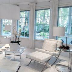 home decor styles types Condo Living Room, Coastal Living Rooms, House Rooms, Living Room Decor, Home Room Design, Living Room Designs, House Design, Living Furniture, Home Decor Furniture