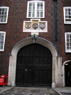 Gatehouse, Lincoln´s Inn, London | Flickr - Photo Sharing!