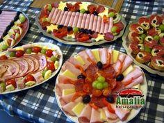 Aperitive reci - idei de platouri aperitive Romanian Food, Romanian Recipes, Food Design, Xmas, Christmas, Starters, Fruit Salad, Sushi, Side Dishes
