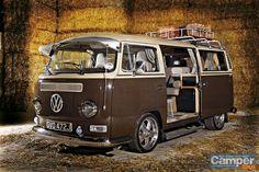 Bay Window Camper Never seen a bus with sliding door on driver's side? Volkswagen Transporter, Transporteur Volkswagen, Vw Bus T2, Bus Camper, Vw T1, Ww Transporter, Mini Camper, Combi Vw T2, Kombi Clipper