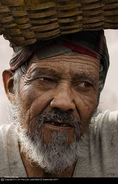 Title: Oldman  Name: Jin Hee Lee  Country: Korea (South)  Software: Maya, mental ray, Photoshop, ZBrush    Just in case anyone missed it, this is not a photo. It was created in 3D and finished in Photoshop