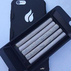 Time to start the new year off right! Stash up to 5 pre rolled joints or blunts from the convenience of your iPhone!  Get yours at TheiHit.com  #stoner #stash #phonecase