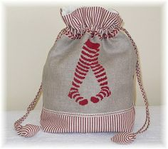 I pinned the design on here a little while ago! Stitches Wow, Canvas Drop Cloths, Sewing Art, Denim Bag, Fabric Bags, Crochet Chart, Sewing For Beginners, Cross Stitch Designs, Embroidery