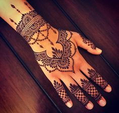 18 Ideas Bridal Henna Mehndi Ideas For 2019 Henna Hand Designs, Mehndi Designs Finger, Mehndi Designs For Girls, Mehndi Designs For Fingers, Beautiful Henna Designs, Mehndi Art Designs, Latest Mehndi Designs, Henna Tattoo Designs, Henna Tattoo Hand