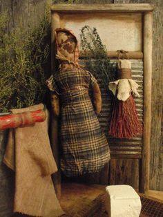 .Antique Primitive Wood Washboard Prairie Doll & Scrubber Gathering