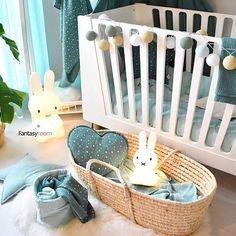 Dieses wundervoll dekorierte Kinderzimmer samt unserer good moods Lichterkette erhaltet ihr im tollen Webshop unsere Lieblings-Händlers @my_fantasyroom! Lieben Dank für dieses tolle Bild!  #kinderzimmer #interior #einrichtung #dekoration #hase #miffy #korb #bett #kinderbett #webshop #kidsinterior #interiordesign #lichterkette #mrmaria #miffy #stringlights #wednesday #mittwoch #mood