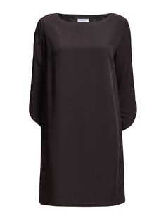 DAY - Flow Loose fit Scoop neckline Straight cut Chic Elegant sophistication with a modern twist Excellent quality and fit Dress Dresses Straight Cut, Loose Fit, Flow, High Neck Dress, Neckline, Elegant, Chic, Day, Modern