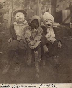 16 creepy vintage Halloween costumes which will make you want to claw your face off in terror - Us Vs Th3m