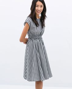 CHECKERED DRESS WITH ELASTIC WAIST | Zara