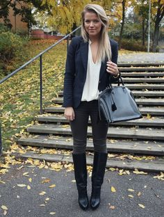 Nothin wrong with this black boots outfit