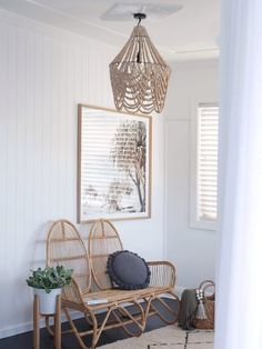 Chic boho coastal home tour is part of diy-home-decor - Get inspired by this ultra chic boho coastal home! Mixing soft textures, earthy tones, modern touches and loads of natural light, this renovated home oozes Coastal Bedrooms, Coastal Living Rooms, Coastal Homes, Living Room Decor, Coastal Interior, Interior Paint, Interior Ideas, Dining Room, Style At Home
