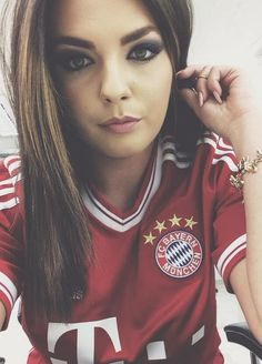 #FootieBeauty @BeatrixRamosaj loving @FCBayern