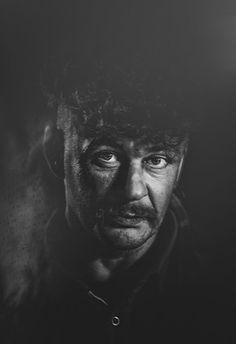 Goya Kusz: Wyłonił się z mroku...