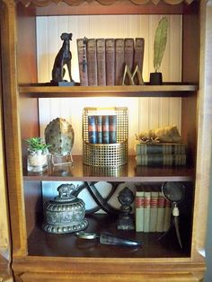 A Stroll Thru Life: Styling The Bookcases