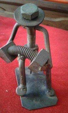 Resultado de imagem para esculturas en hierro reciclado