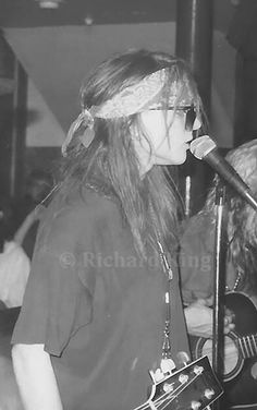 A very young Axl Rose of Guns N' Roses, mid '80s