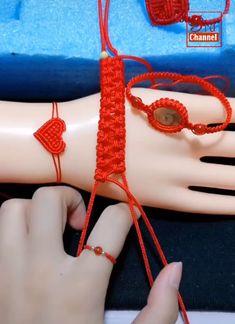Handmade Crafts - Handmade bracelets are beautiful - . - Handmade Crafts – Handmade bracelets are beautiful – … – handmade craft – han - Macrame Bracelet Diy, Macrame Bracelet Patterns, Diy Friendship Bracelets Patterns, Bracelet Crafts, Jewelry Crafts, Diy Jewelry Videos, Jewelry Knots, Macrame Jewelry, Diy Bracelets Video