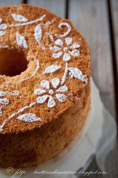 Chiffon cake e una sorpresa per me! Holiday Cakes, Christmas Desserts, Sweet Recipes, Cake Recipes, Bolos Naked Cake, Fondant Cake Tutorial, Patterned Cake, Just Cakes, Chiffon Cake